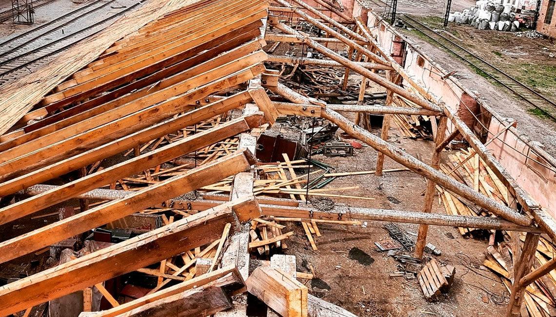 Демонтаж стропильной конструкции