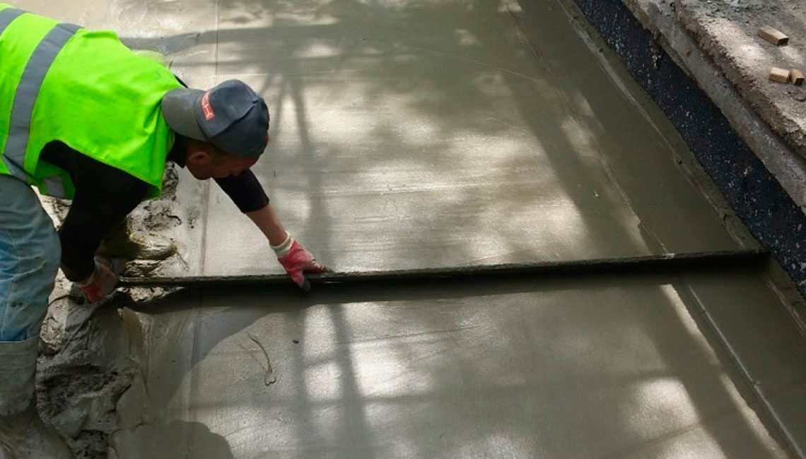 Устранение контруклона цементной стяжкой